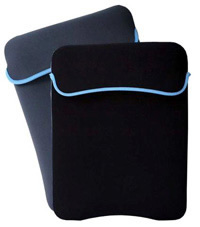 FUNDA DE NEOPRENO TECH ZONE P/ NOT 15.4 AZUL REV - TiendaClic.mx